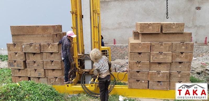 Hình 3: Giàn tải ép sắt TaKa đã chọn trong quá trình thi công nhà phố