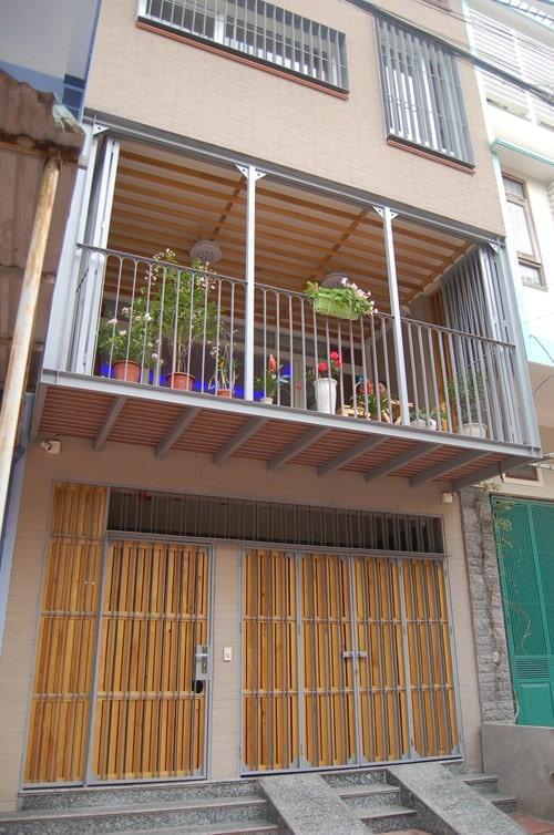 Mẫu nhà phố 4 tầng 5x14m có gara