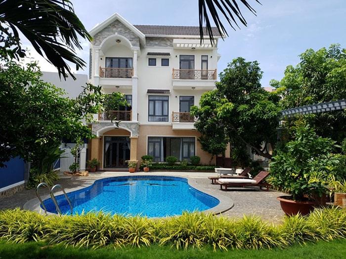Mẫu biệt thự nhà vườn có bể bơi đẹp