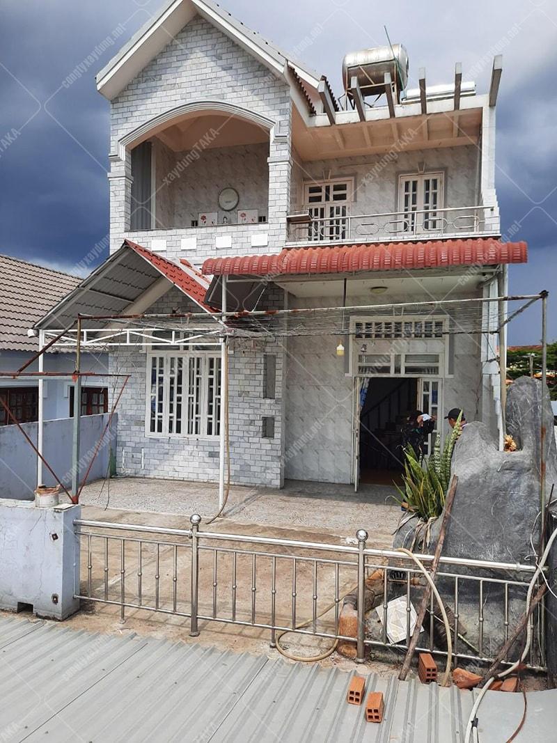 Thiết kế cải tạo nâng tầng nhà phố mái thái tân cổ điển